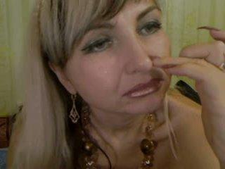 Gaišmatis pieauguša ar liels vāvere lips - negrofloripa