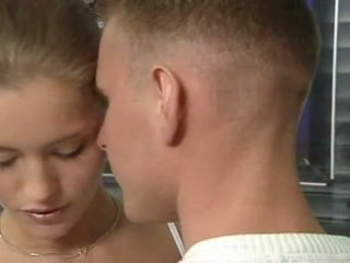 Hot tysk russisk tenåring i kontor sex handling