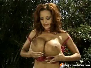 Donita Dunes solo And Pissing