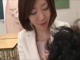 Mothers helping δεν τους sons σε σεξ ed 4