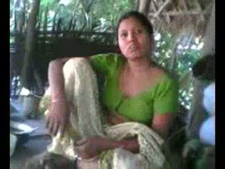 Desi गाँव aunty दिखा बूब्स पर अनुरोध wid audio - desibate*