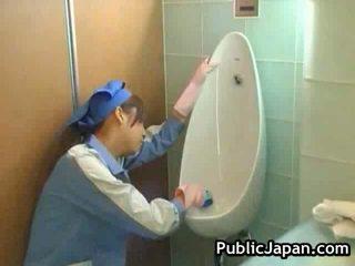 Jap lavabo attendant público mamada