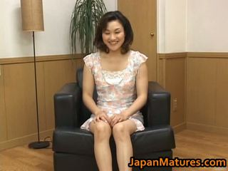 A foder maduros asiática mulher