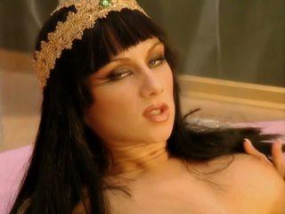 Cleopatra 1-1: безплатно анално hd порно видео 39