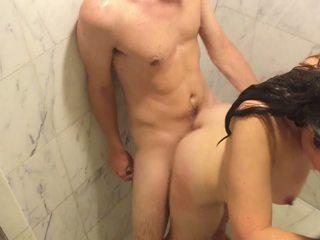 מן מקלחת ל כיור ל ספה שלנו epic לילה ב the ritz
