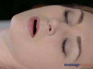Masaje rooms bonita pálida skinned mamá squirts para la muy primero tiempo - porno vídeo 901