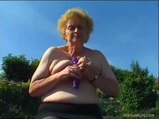 Mature donna dedans bas has grand joystick