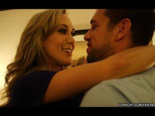 Sleaze blond brandi kjærlighet has bind for øynene og shaged av klient