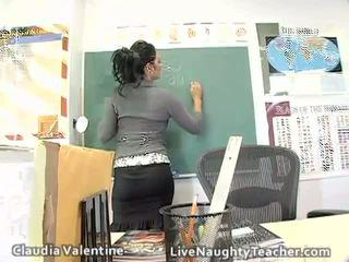 Caliente morena profesora en mini falda y negra lencería