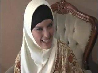 Arab muslim cu frumos tate gets inpulit doggy stil