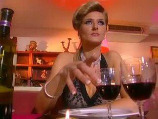 Jane дорогий gets трахкав по a збуджена waiter