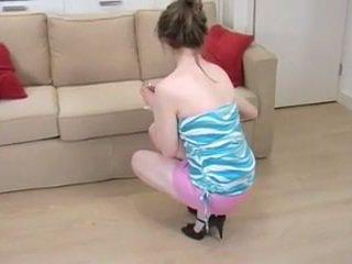 英国の 女の子 とともに 小 ティッツ spreads 毛深い ピンク プッシー
