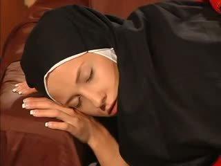 Märkä siepata nunna anaali perseestä mukaan the priest