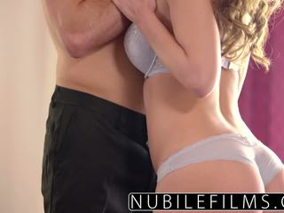 Familie guy seduced av squirting babe dillion harper.