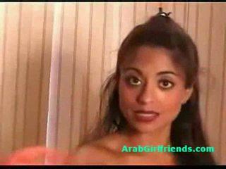 巨大な ティッツ アマチュア arab ガールフレンド shows 彼女の 尻 と プッシー