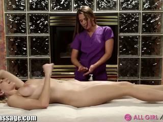brunette, oral sex, licking vagina