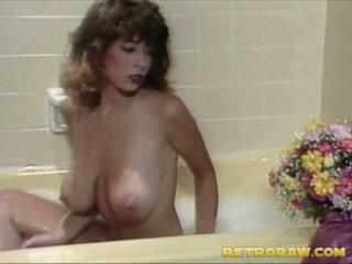 Crocant takes the tub