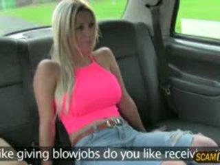 Sienna gets a karstās sperma par viņai vāvere lips
