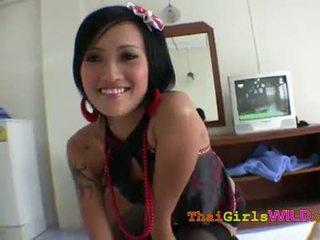 Thaimaalainen tyttö villi