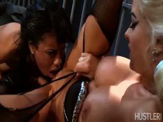 brunette porno, new lesbian vid, fun blonde fucking
