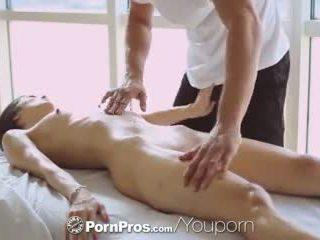 Pornpros - seksi asia beauty elana dobrev gets sebuah seksi menggosok turun