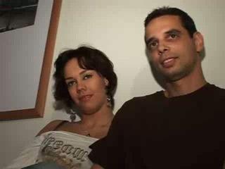 Agradável casal com namorada
