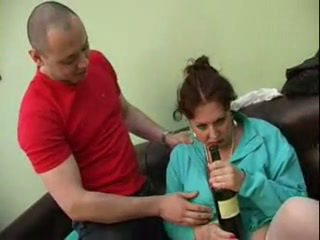 Guy perses tema purjus emme