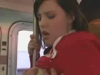 Seksikäs opiskelija entered sisään väärässä bussi video-