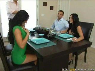Husbands swap زوجات سابق إلى dinner
