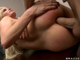 Rockin Spicy Pussy Diamond Foxxx Has Her Ass Hole Tunnel Made Love By A Rock Giant Bat