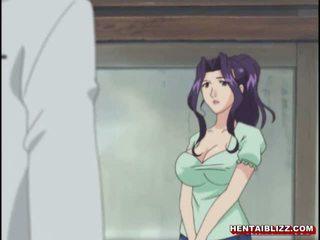 Mami japoneze hentai gets squeezed të saj bigboobs
