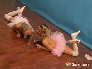 Lezzy ballet момичета