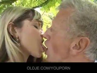 接吻, 暨在嘴里, 口交