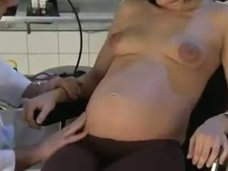 Ngandhut bojo fucked by her dhokter