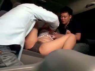 Innocent školáčka gangbanged v a autobus