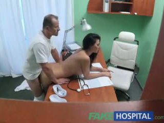 Fakehospital หมอ fucks โป๊ นักแสดงหญิง ทั่ว โต๊ะ ใน ส่วนตัว clinic