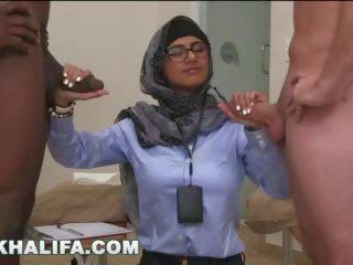 ochelari, prunc, sânii mari