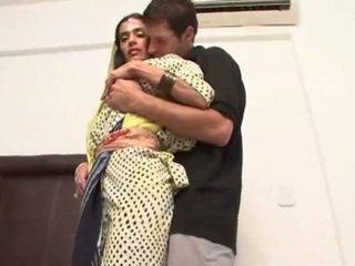 Гаряча зустріч з a сексуальна індійська дружина tamara