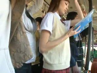 Kaori maeda has cô ấy nóng âm đạo pie fingered trong một công khai xe buýt