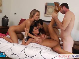 جنسي الفتيات jessica jaymes, lisa ann و nicole aniston