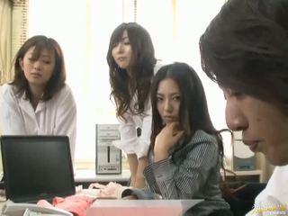 日本語 av 模型 是 強 到 有 性別