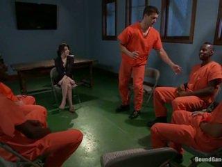Tegan tate has band направен любов от перверзен prisoners