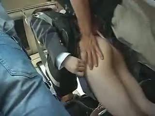 Školačka has na dej a výstřik v a autobus