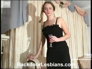 Joanna un irene nejaukas anāls lezbo episode