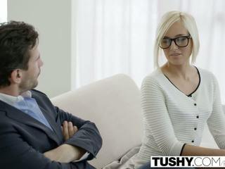 Tushy ร้อน เลขานุการ kate england gets ก้น จาก ลูกค้า