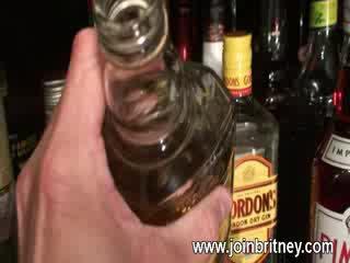 Ubriaco moglie cazzo succhiare