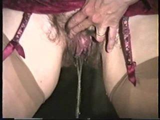 Mature Woman Pissing 2