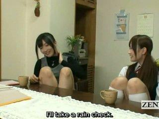 Subtitled lesbian warga jepun guru bath dengan gadis sekolah