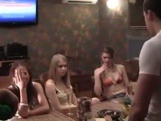 Two cocks ל a שתוי מכללה מסיבה נערה