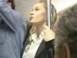 소녀 molested 에 그만큼 버스
